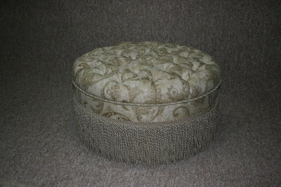 http://www.quiltmasterinc.com/home_files/QM%20New%20Items/OT-3%20Optional%20Upholstery%20Tufted%20-%20Trims.jpg