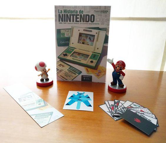 "On instagram by doninnaki #gameandwatch #microhobbit (o) http://ift.tt/1Ky5U67 acaba de llegar ""La Historia de #Nintendo Vol.2""  de @HeroesdePapelES (Twitter)!  #LaHistoriaDeNintendo #HéroesDePapel #Amiibo #Toad #Mario #SuperMario #Hanafuda #GameAndWatch"