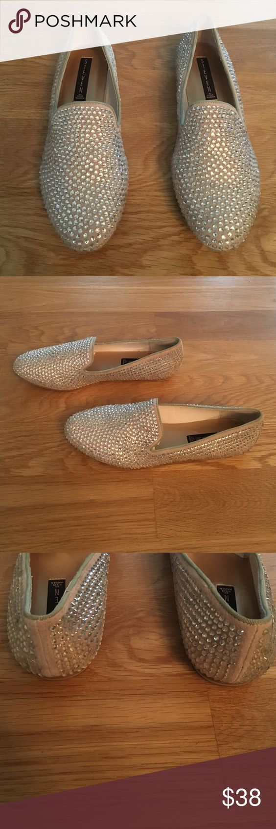 Steve Madden studded flats Steve Madden rhinestone studded flats size 8.5 in excellent condition. Worn once briefly. I do not have the box. Steve Madden Shoes Flats & Loafers