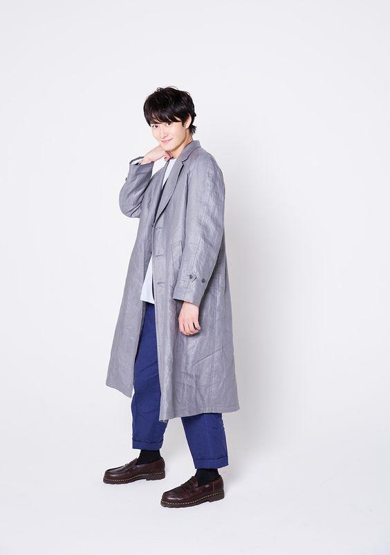 ロングコートと岡田将生のファッション