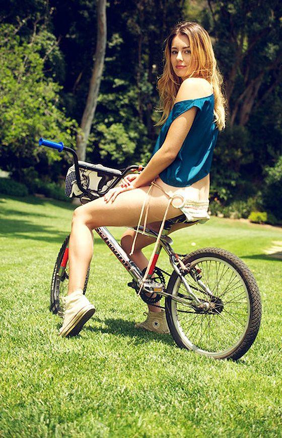 Resultado de imagem para Imagem de Keeley Hazell in bike