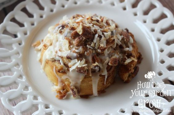 Coconut Orange Breakfast Rolls #WarmUpYourDay - www.thefarmgirlgabs.com
