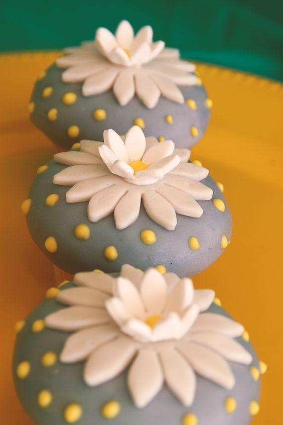 flores & cupcakes