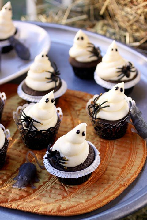Ghostie Cupcakes recipe / The Cooking Photographer