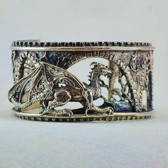 Sterling Silver Dragon Armband Brackenthal's Keep von MysticSwan