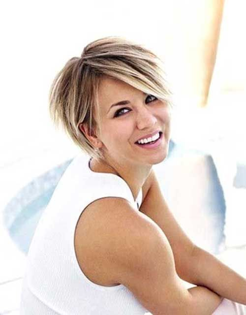Coiffures cheveux courts kaley cuoco and coiffures on pinterest