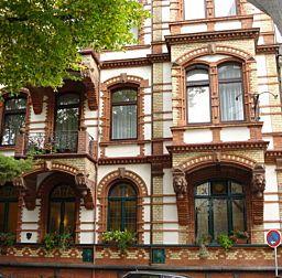 Die denkmalgeschützte Fassade des Hotel Klemm in Wiesbaden - untergebracht in einer wunderschönen Jugendstilvilla
