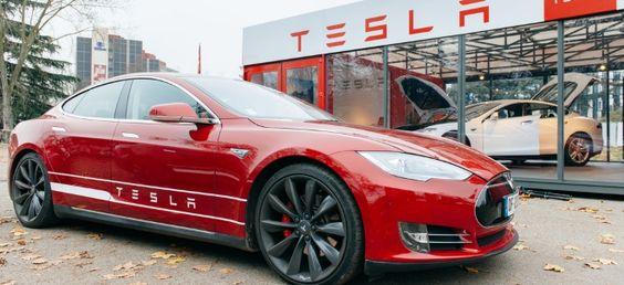 Euro am Sonntag deckt auf: Hier stimmt was nicht! Tesla - Autopilot für dicke…