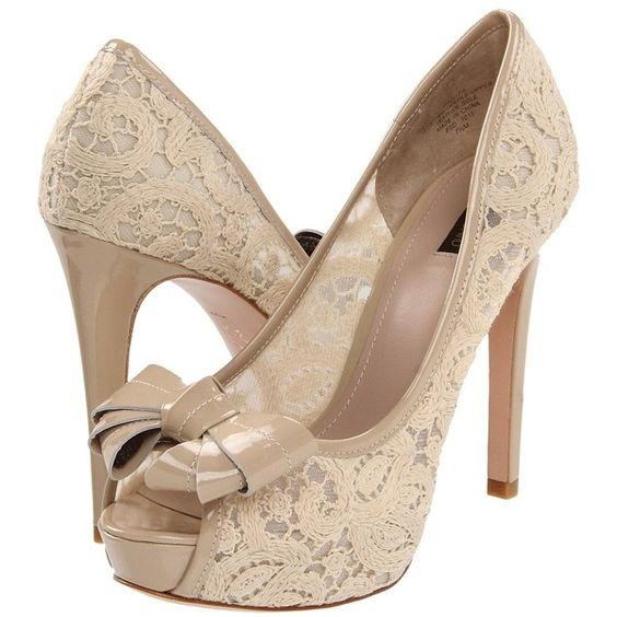 great nude shoe with detail of lace ...