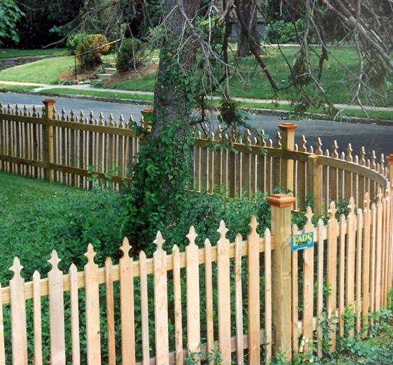 Cool picket fencing ideas front yard ideas pinterest for Pretty fencing ideas