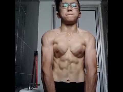 14 Years Old Bodybuilder Flexing Muscle Old Bodybuilder Bodybuilding Biceps