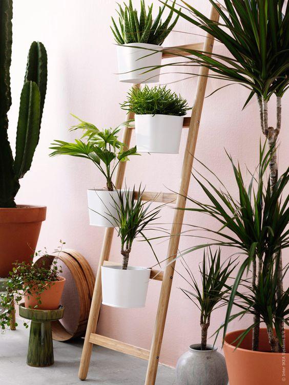 SATSUMAS planteringsstege med 5 krukor bambu vit design