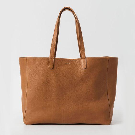 BAGGU Oversize Leather Tote Caramel
