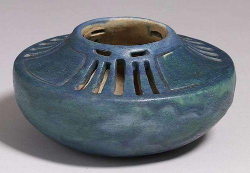Arts Craft Cutout Studio Vase C1910 In 2020 Arts And Crafts Vase Crafts