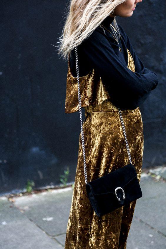 Terciopelo de día, terciopelo de noche... ¡¡Terciopelo siempre!! http://chezagnes.blogspot.com/2016/12/velvet-night-and-day.html #terciopelo #velvet #fashion #moda #streetstyle: