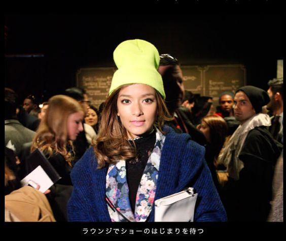 黄色ニット帽のローラ