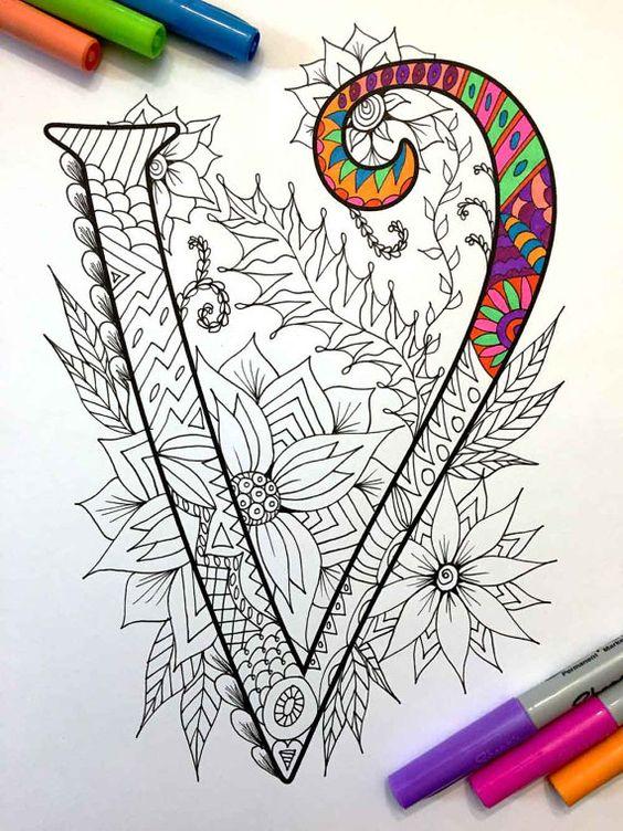 8.5 x 11 página para colorear de la letra mayúscula V - inspirada en la fuente Harrington PDF  Diversión para todas las edades.  Aliviar el estrés, o simplemente relajarse y divertirse con tus lápices de colores favoritos, plumas, acuarelas, pintura, pastel o lápices de colores.  Imprimir en papel cartulina u otro papel grueso (recomendado).  Arte original de Devyn Brewer (DJPenscript).  Sólo para uso personal. Por favor, no reproducir o vender este artículo.  CÓMO DESCARGAR LOS ARCHIVOS…