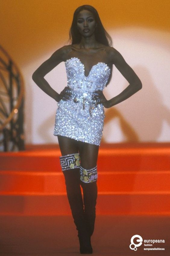 Naomi Campbell for Atelier  Versace, Autumn-Winter 1991, Couture