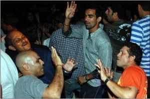 A rare photo Indian Cricketers Sachin, Sehwag and Zaheer partying & dancing.