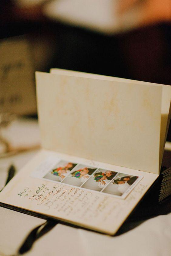 Fotos divertidas de un photobooth para el libro de firmas