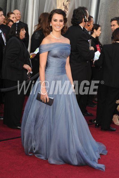 #Oscar #Oscars Penélope Cruz que charme, que elegância, que sorriso!