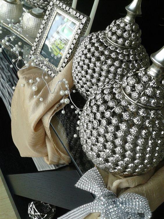 Novas peças decorativas já chegaram as nossas lojas, visite-nos.