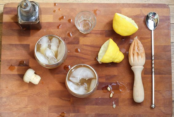 Whiskey Sour Cocktail Recipe with fresh lemon