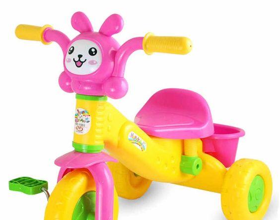 34 Gambar Kartun Naik Kursi Roda Bayi Sepeda Roda Tiga Anak Anak Naik Mobil Sepeda Baby Download Kursi Roda Gif Gambar Animasi An Kartun Gambar Kursi Roda