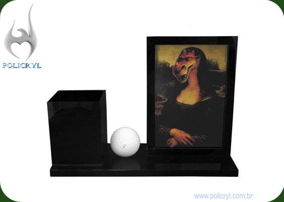 Porta canetas com porta retrato, para decorar a sua mesa ao mesmo tempo que é super util.  Penholder with picture frame, to decorate your table at the same time it's super useful.