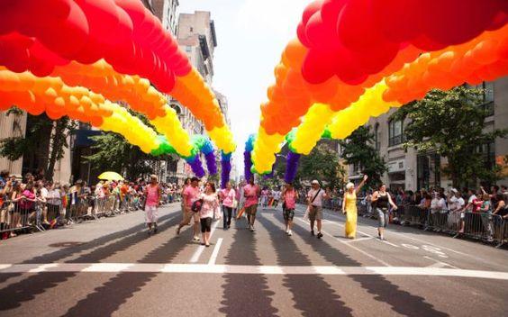 Lei provoca onda de protestos contra discriminação de gays nos EUA