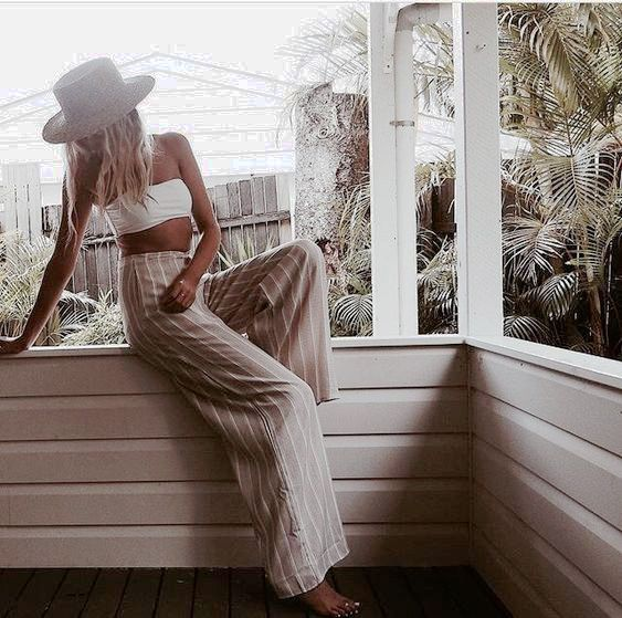 Looks de verano con pantalón palazzoEl pantalón palazzo ya lleva varias temporadas muy presente en el mundo de la moda y, actualmente...