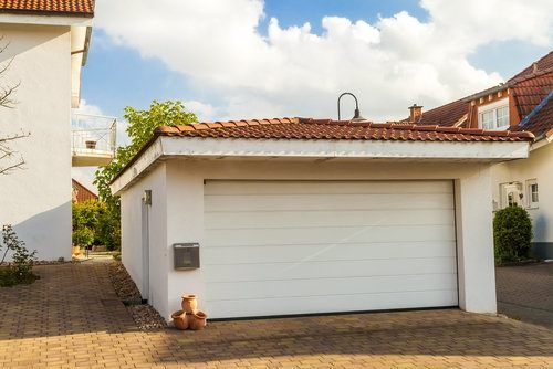 Average Cost To Build A Detached Garage Is About 58 430 86 400 2 Cars 4 Cars Find Here Detailed Inf Detached Garage Cost Detached Garage Cost To Build
