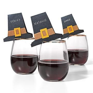 Our buddy Evette Rios came up with this top notch idea: Pilgrim hats that rest on wine glasses as place cards. #thanksgiving #tabletop