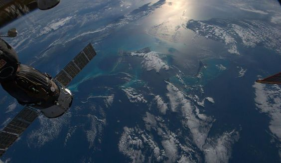 """""""The Caribbean, beautiful and peaceful today"""". Photo: Chris Hadfield, Canadian astronaut, from the International Space Station"""