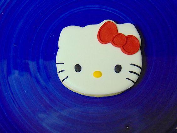 Galleta decorada de Hello Kitty-Hello Kitty icing decorated cookies