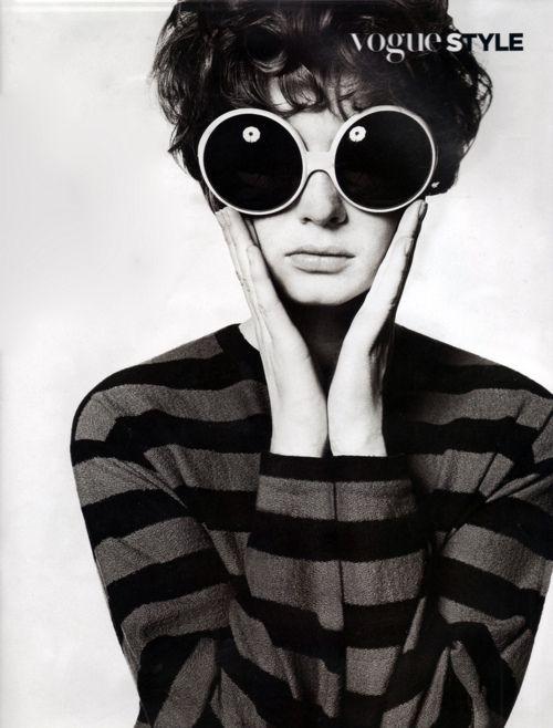 Vogue 1960s, Gafas de sol redondas - Round sunglasses - Pop style - Stripes…
