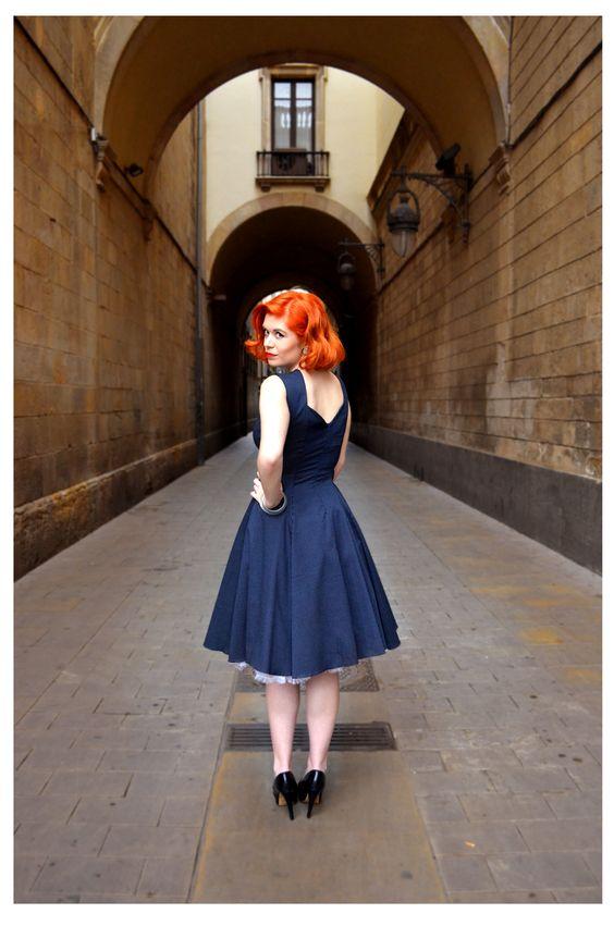 Vestido Maria capa en azul marino a mini topos blancos   http://ow.ly/MbLJS