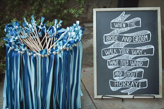 Wedding Wands mit passendem Schild #Hochzeit