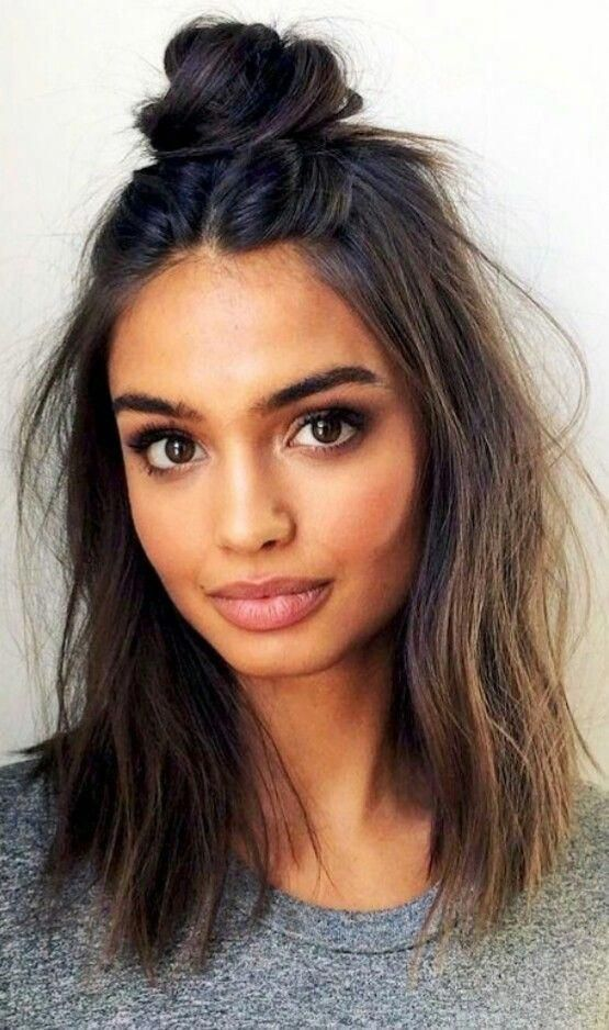 This Is An Simple And Easy Hair Style For School Or College Easy Hairstyles Medium Length Hair Styles Medium Hair Styles Hair Styles