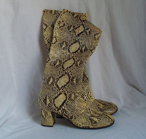 Snake skin boots Retro black n white vintage by HopscotchCouture, $234.00