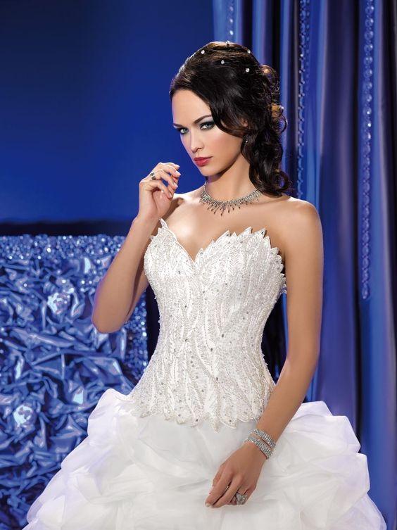 KS 166 33 34  (Vestido de Novia). Diseñador: Kelly Star. ...