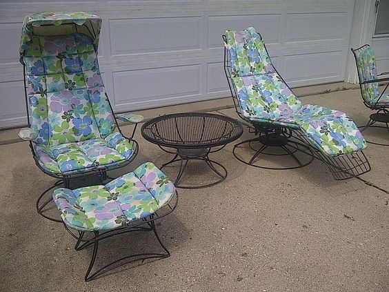 1966 Vintage Homecrest 5 pc Wire Patio Set Lounger Table Ottoman Pads