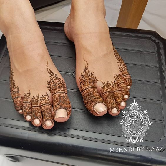 Feet mehndi design