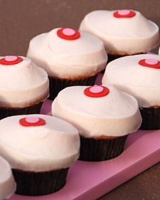 Cupcakes for friends.