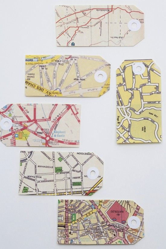 map tags with different pieces of maps in different colors to get an individual packaging for gifts and so on | packaging . Verpackung . emballage | Design: Amella @ etsy |
