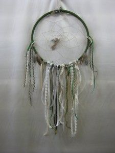 Embroidery Hoop Dream Catcher Tutorial