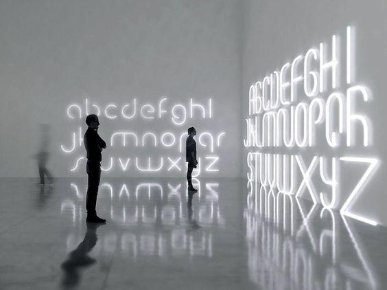 Lettera luminosa a LED da parete ALPHABET OF LIGHT by Artemide Italia design BIG…