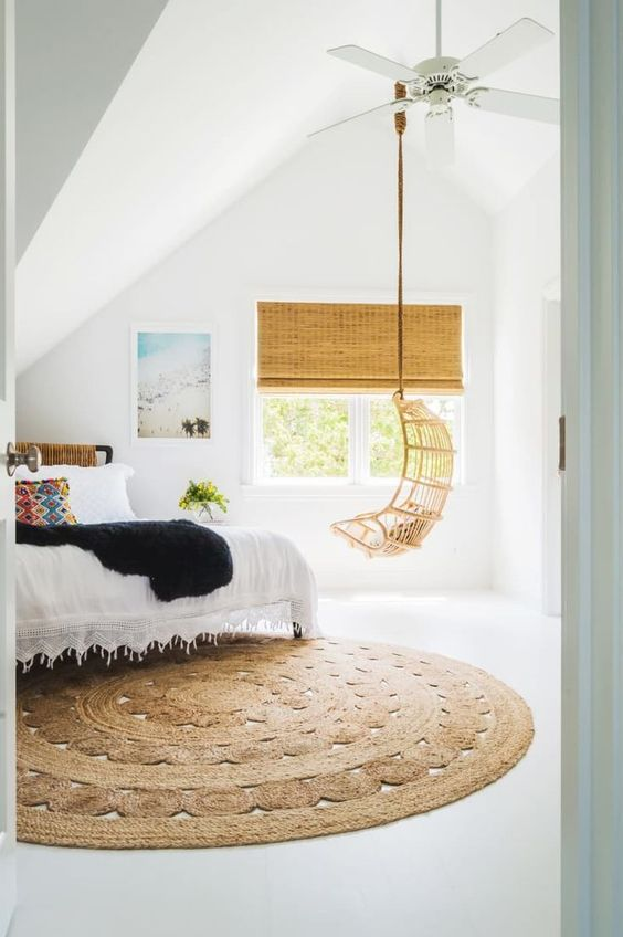 round jute rug in the bedroom #home #style