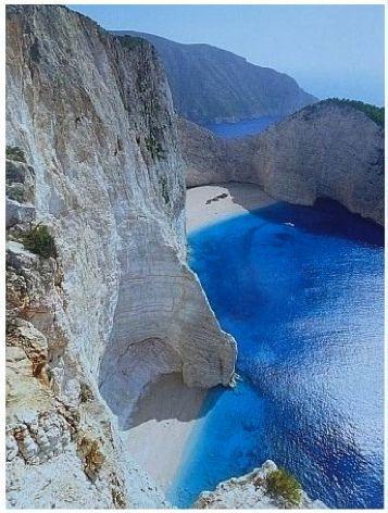 I want to go to Mykonos, Greece: