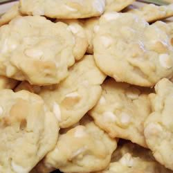 these are supposed to be just like the Subway White Chocolate Macadamia Nut Cookies
